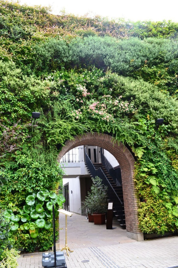 vertical-garden-entrance