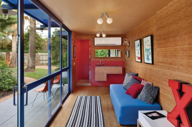 Shipping-Container-Guest-House-03-750x499