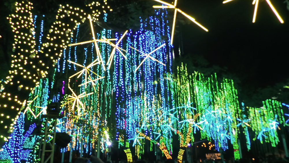 Ayala Triangle Lights and Sounds Show (5)